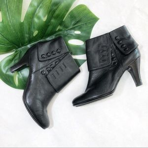 Sofft Foldover Button Detail Booties Size 8.5 EUC